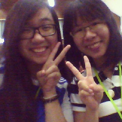 Meet Jen Nie aka my roommate! After 2 weeks of being roommates this is our first picture together :B Asiansbeasians