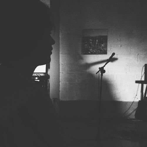 The Five Senses 'watching' music. ArtPerformance Monocrome