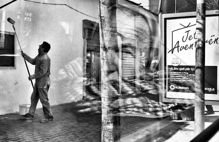 Live the Adventure . Bw_collection Blackandwhite Streetphotography Monochrome Urban Landscape Streetphoto_bw Mobilephotography Odetomycity People