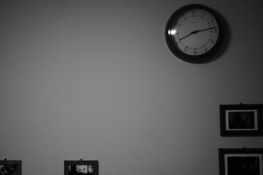 The blank (with) time B & W  Black & White Black And White Photography X-Pro1 Monochrome Black And White My Photography B & W Photography Fujifilm X-Pro1 Voigtlnder Voightlander Nokton Classic 40mm/F1.4 SC EyeEm Best Shots - Black + White Blank Blank Space Blank Time Time Clock Wall Clock My Room In My Room Wall