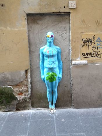 Streetart Full Length Standing One Person Front View Day Portrait Outdoors Only Men Architecture One Man Only Adults Only People Adult