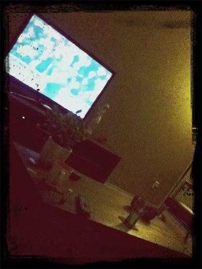 gezellig thui voetbal kijken