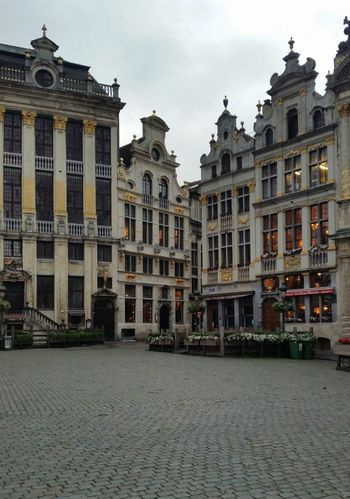 Brussels Bruxelles Belgium Grand Place Grand Place Bruxelles Old Buildings Architecture Old Town Early Morning Tourism Tourist Spot Touristic Destination Travel Travel Destination