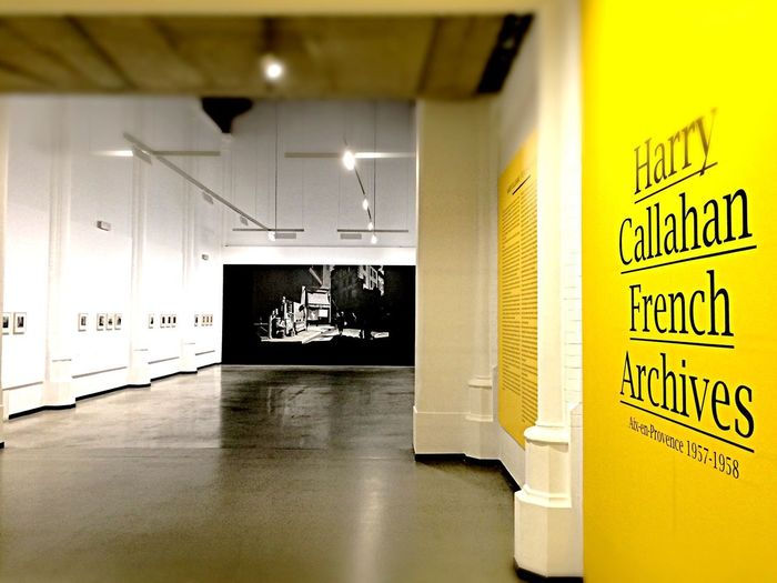 Harry Callahan Fotografie Photography No People Exebition Yellow Hall ArtWork Indoors  1958 American Hallway Exposition Harry Paint The Town Yellow