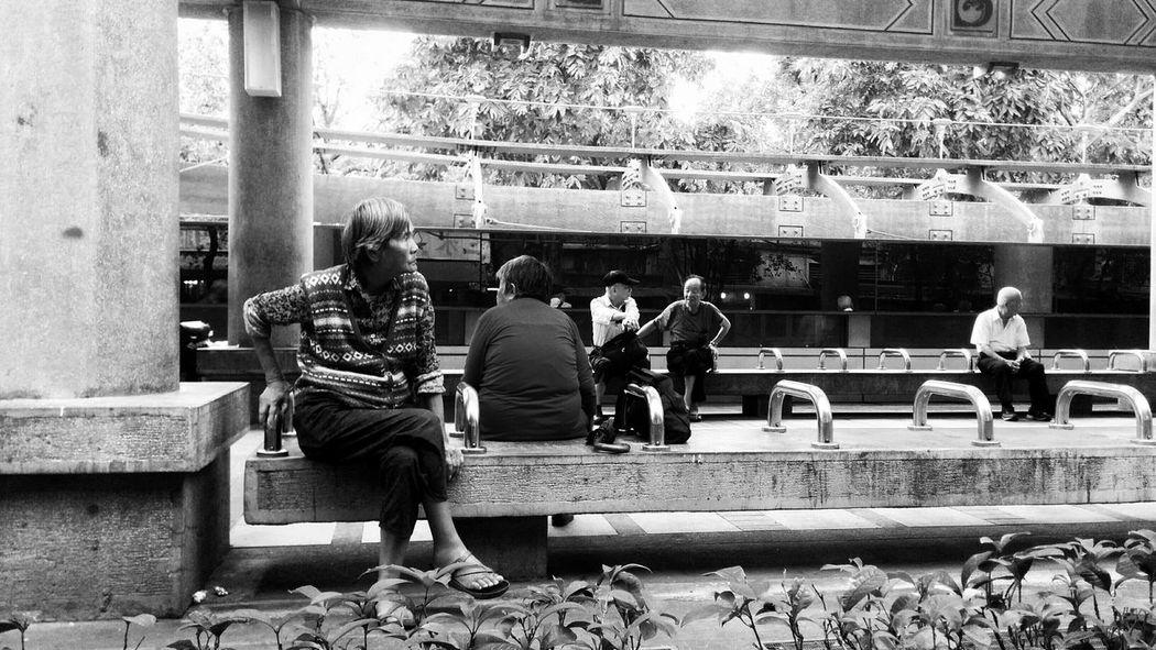 Eyeem Meetup Taipei EyeEm Taiwan Peoplephotography Black&white Bnwphotography Eye4black&white  The View And The Spirit Of Taiwan 台灣景 台灣情 Streetphotography Streetphoto_bw EyeEm Bnw B&w Street Photography My Best Photo 2015 Here Belongs To Me