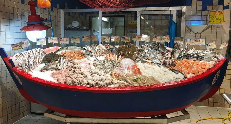 Pesce Fresco Fish Barça Boat