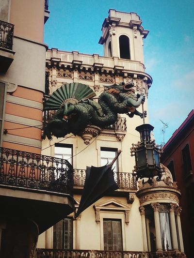 Streetphotography Dragon Photooftheday Eyem Best Shots Statue Cityscapes