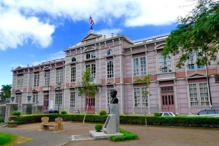 Exterior Of School Buenaventura Corrales