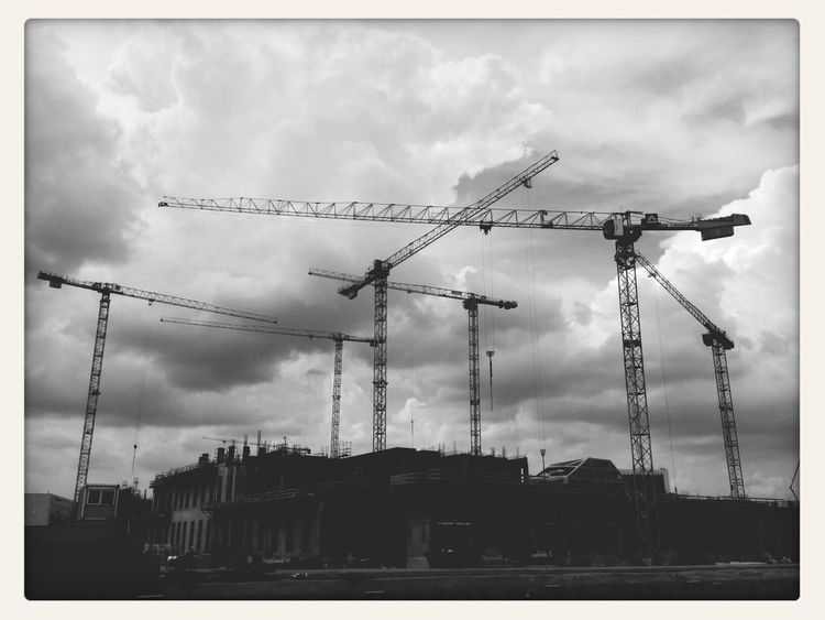 Ob das was wird... - Blackandwhite Urban Exploration Cityscapes Berlin