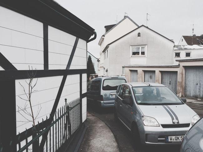 Was Fußgängern bleibt: Gehweg Wuppertal