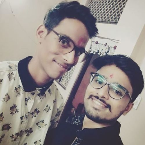 Brothers Brothers_for_life Elderbrother Youngerbrother HomeSweetHome🏠 Diwalipicscontinue ......😉😉