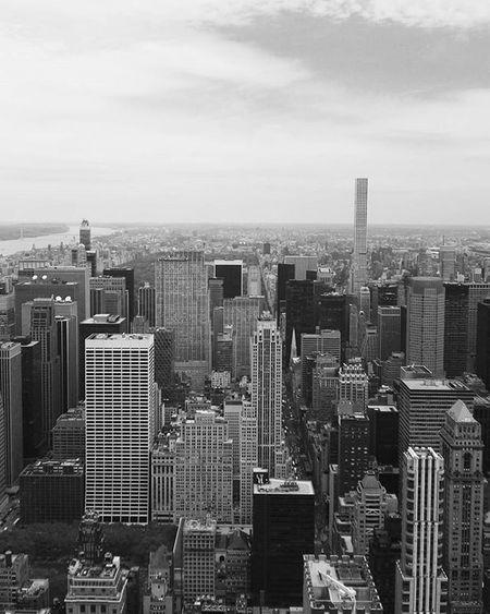 Vue depuis le sommet de l'empire state building Empirestatebuilding Empirestatebldg NYC Newyorkcity Newyork Huaweishot HuaweiP8 Huaweidevicefrance Picoftheday Photooftheday Instagood Instadaily HuaweiP9 Oo Huawei