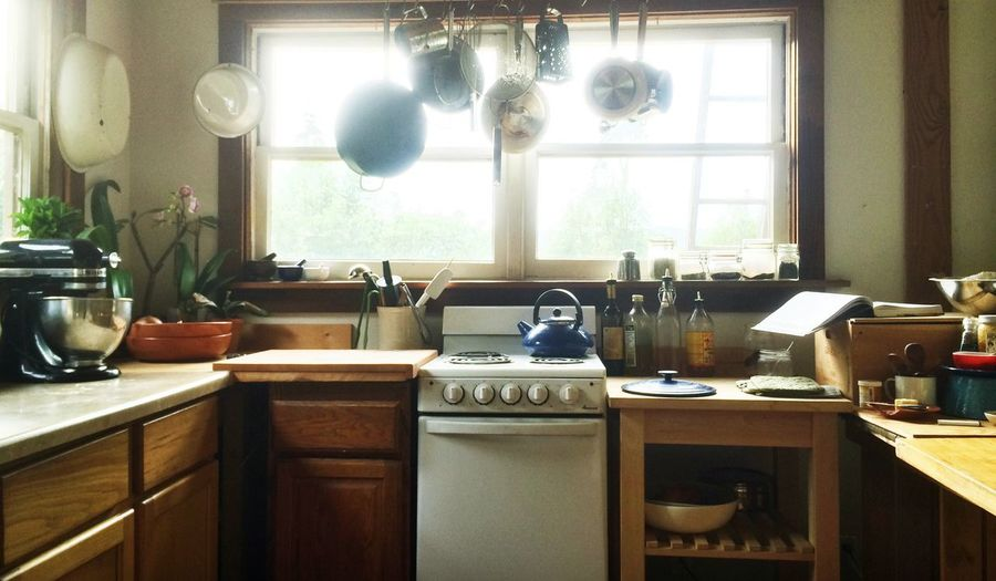 Bohemian kitchen Rural Scene Country Life Homey Rustic Style Indoors  Kitchen Domestic Kitchen Domestic Room Home Home Interior Window Household Equipment No People Table Kitchen Counter Appliance Kitchen Sink Hanging Sink Kitchen Utensil Day