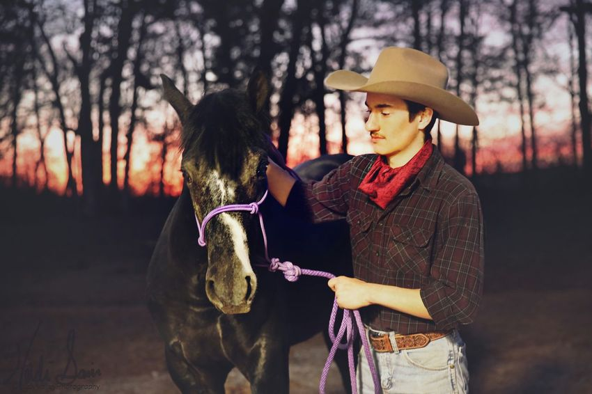 Hat Tree Togetherness Fashion Outdoors Nature Young Adult Check This Out Horse Eye Domestic Animals Horses Portrait Sky Sunset Beauty In Nature Tranquility Dramatic Sky Photoartist Landscape Horse Photography  Beautiful Sunset Skys
