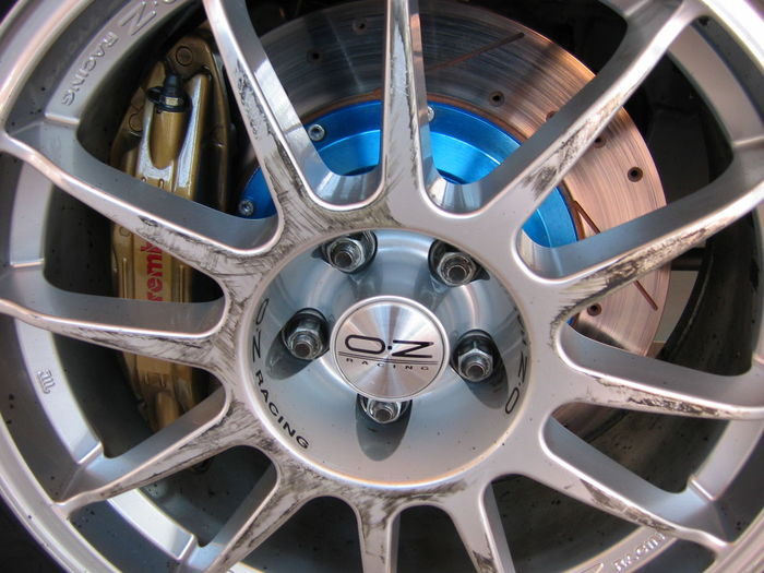 Wheels Oz Racing Big Brake Disk Brembo Brakes BREMBO BRAKES LANCIA DELTA EVOLUZIONE Business Finance And Industry Indoors  Innovation No People Futuristic Gear Day Close-up The Purist (no Edit, No Filter) Outdoor Photography Color Photography
