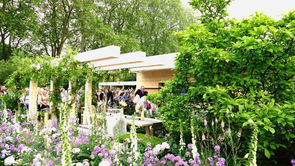 ' RHS Chelsea Flower Show II ' Chelsea Flower Show Architecture Day Nature Flowers Gardens Gardening Wild Flowers Garden Design London Culture Event -- B