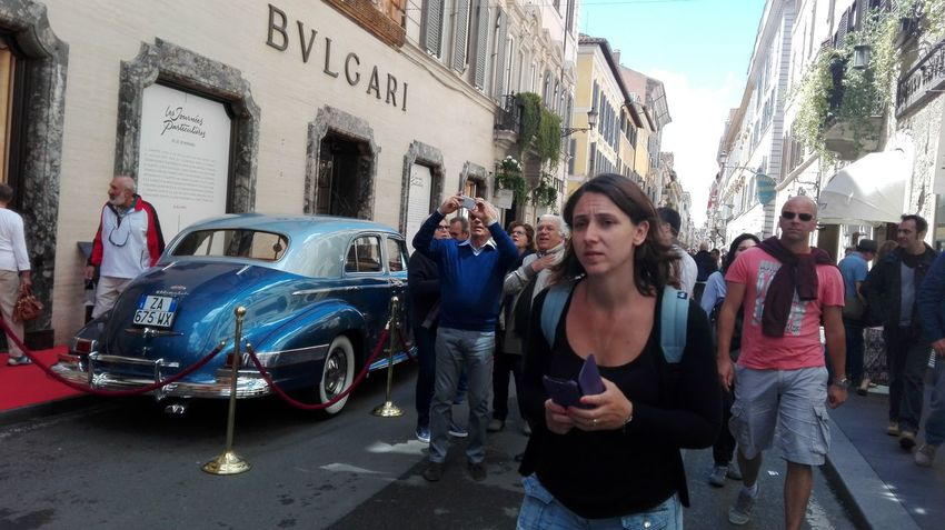 The Photojournalist - 2016 EyeEm Awards People_and_world Rome Italy Rome People Tourist Tourists Tourists In Rome Via Dei Condotti Rome Via Condotti BULGARI Rome Tourist In Rome Tourists Of The World In Rome Caffè Greco Rome Event