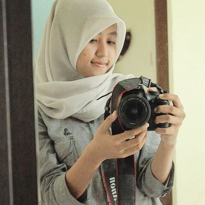 Happy sunday morning \=D/ Like4like Follow4follow Ifollowback Instalike Instagram Weekend Morning Sunday Home Mirror Hijab Canon