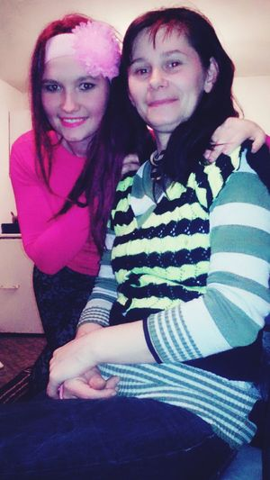 Hello World That's Me With Mymama Mimama Mimamayyo Mymamaandme MyMum Smile :) Sonrisa Serfeliz Purple Hair Mycasa Photo Lovefamily💖💝💞 Kiss