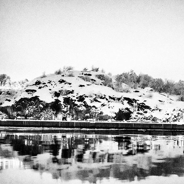 📷❄🗻 Nightshot Night Boattrip Boat Water Tagsforlikes Likes Blackandwhite Snowmountain Mountains Watermirror Trip Pic Sweden Gothenburg GBG Awesome Photo Nightphotography Nightphoto View Sea Perfect Goteborg Båttur sverige kväll spegel hav bild @awesome_pixels @exaperture @gothenburg_sweden @swedenimages @goteborgcom @ilovegbg