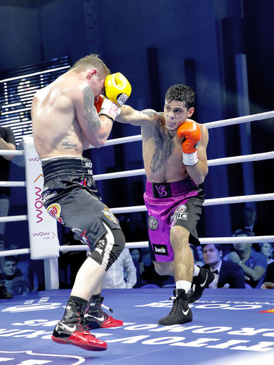HIT Box Hit Ring Boxing Ring Athlete Sportsman Competitive Sport Competition Muscular Build Boxing Glove Sport Men Boxing - Sport Fighting Battle Referee Good Sportsmanship Fighting Stance My Best Photo The Photojournalist - 2019 EyeEm Awards