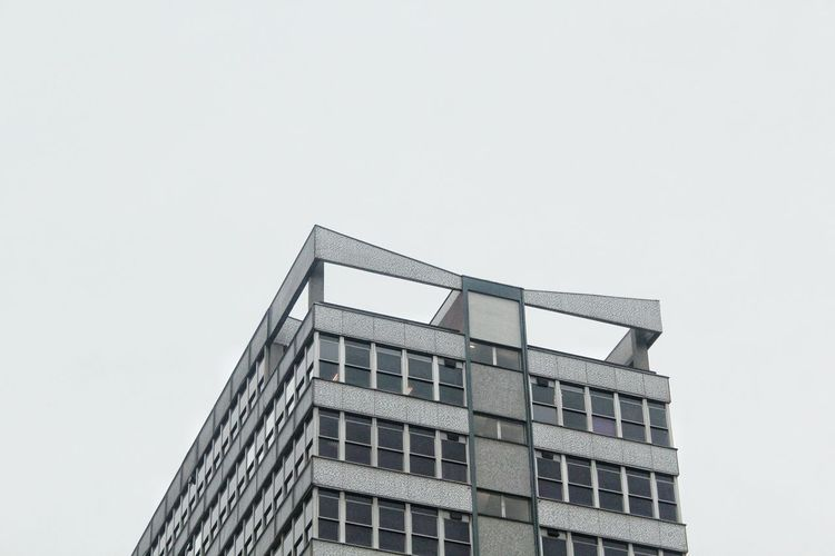 EyeEm Best Shots EyeEmNewHere Eye4photography  EyeEm Gallery EyeEm Selects EyeEm EyeEmBestPics EyeEm Best Edits Architecture Building Exterior Built Structure Low Angle View No People Outdoors Sky City Day Apartment Minimalist Architecture Looking Up Windows Pattern, Texture, Shape And Form Building Feature Tower Skyscraper City Life Modern Leeds, UK The Architect - 2018 EyeEm Awards