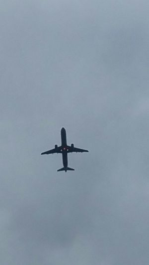 Can we pretend that airplanes in the night sky are like shootin' stars From My Point Of View Fromwhereistand From Where I Stand Airplane Airplanes AirPlane ✈ Starting Airplane Airplane Shot Watching Airplanes
