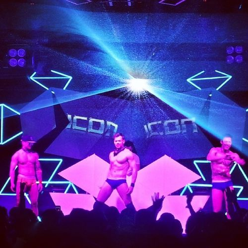 the gogoboi and the music is pretty cool. love you Angelshanghai ! Icon Gaybar Gayclub Sexymen Gay Pride