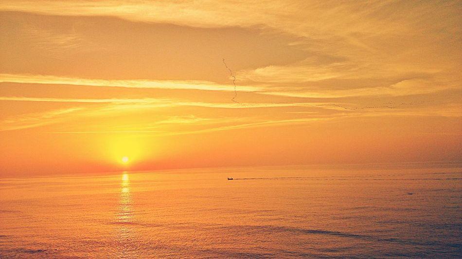 Sunset Sunrise_sunsets_aroundworld Israel <3 Sea And Sky Sea View Seashore