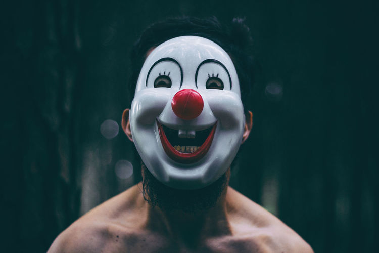 Clown masked guy in the woods Headshot Portrait Shirtless Focus On Foreground Mask Disguise Mask - Disguise Men Real People Clown Clown Face Clown Mask Clown Masks Creepy Woods Forest Payaso Mascara Mascara De Payaso Horror Portrait Horror Photography Horrorart Buenos Aires Bogotá Bosque