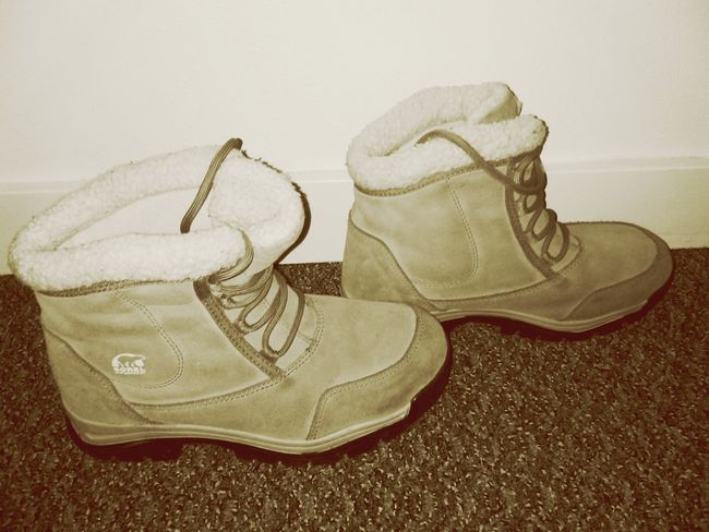 Women's winter boots, looking to sell. Size 8 never been worn, name your price Check This Out