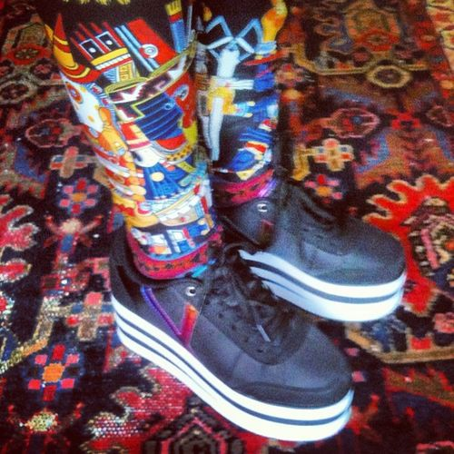 I'd call it happy Hardcore :). Love my New shoes! Yru Lovelysally Inka Platformshoes leggings