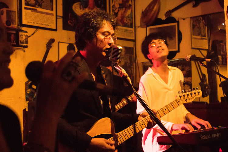 Be. Ready. Ely Buendia JazzMusic OPM Philippines Apartelph Arts Culture And Entertainment Gig Photography Indoors  Microphone Music Musical Instrument Musicphotography Originalfilipinomusic Performance Group Real People Route196 Singing Two People