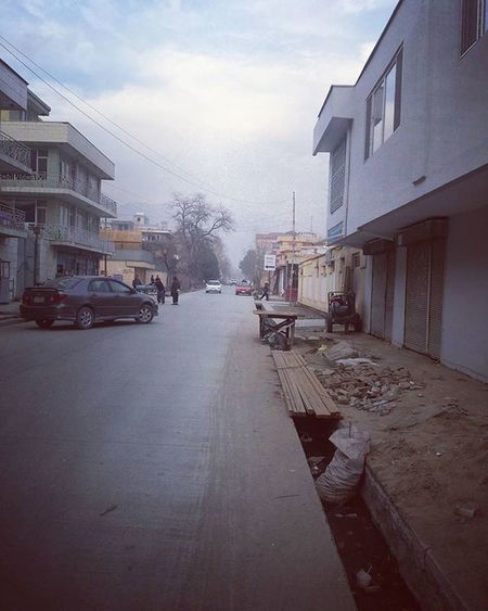 Tiknik Street Kabul Afghanistan Afghan Photographer Photograpy Peoples Nature Weather Clouds Cars Buildings