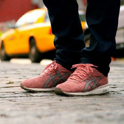 How can i get this shies?? :$ Asics Shoes Ronnie Fieg limite rosegold fashion style