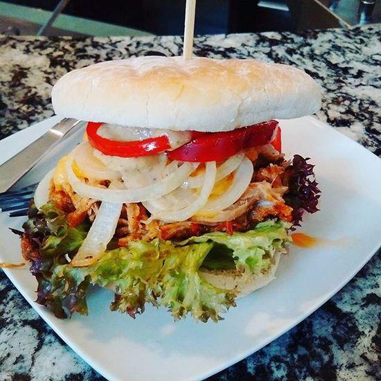 Mahlzeit! Foodporn Burger CheeseBurger Eatwell Freshmade Pulledpork Beef Manngekocht
