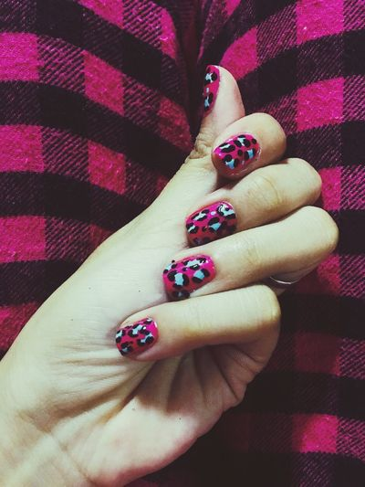 My kind of thing. Nails. Pink. Animal print. Pink Nailpolish Nailart  Animal Print Blue Pinkand Blue