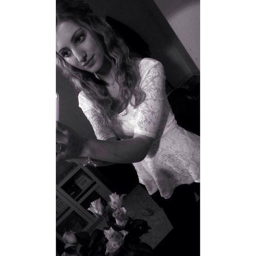 Cute Outfit Selfie RosesTeenager
