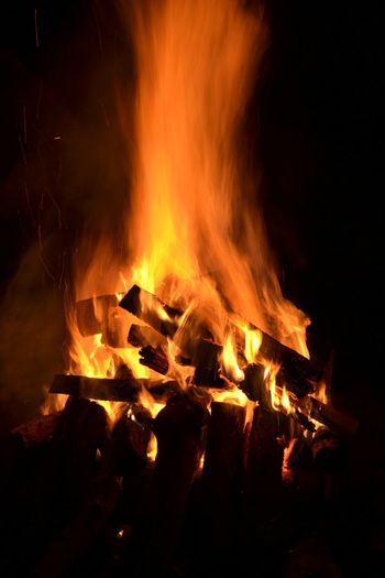 Fire Firewood Hot Bonfire Bonfire Night Bonfirenight Bonfire! Bonfires Bonfire With Great Friends! Blaze
