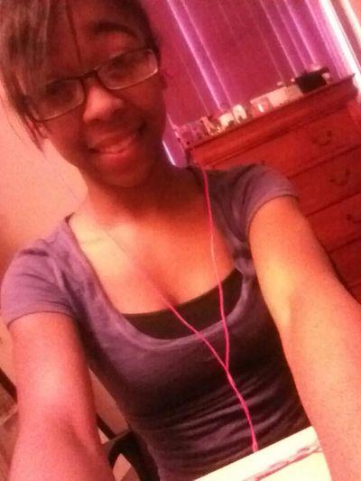 #mee #bored #selfiie #monday #ayyee #grr (: