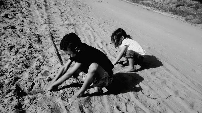 Não se brinca mais como antigamente Children Brincando Love Peace Paz Natureza #Freedom #photography