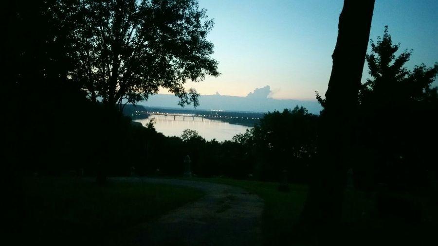 Edge Of The World Sunrise Taking Photos Lake View bridge