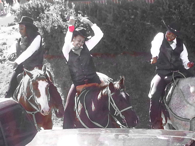 Dancing Cowgirls Parade Time Friends Memoriesmade