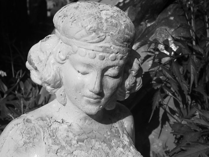Novecento Ancelle Ancient Architecture Ancient Greek Roman Ruins Biancoenero Old Black And White Blackandwhite Italy Puglia Artistic Statua Statue Donna Bianco E Nero Garden Photography Giardino Sculture Scultura Sculptures Sculpture Garden Salento Romantic Greek Mythology