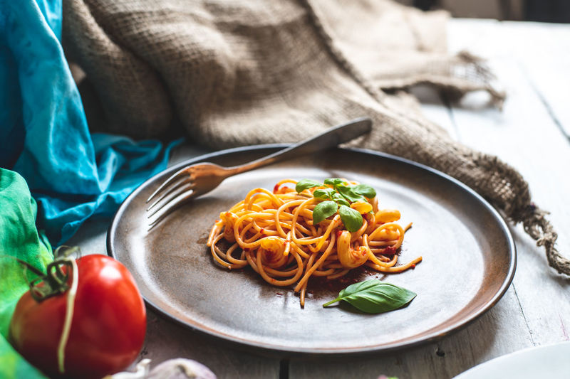 vegetarian spaghetti Spaghetti Vegetarian Food Pasta Tomato Dinner Lunch Italian Oregano Herb Healrhyeating Healthy Lifestyle Carbonated European Cuisine Cuisine Lecer Fresh