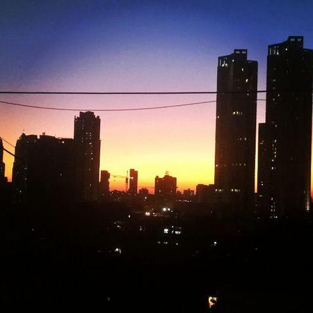 Beautiful sunset at my Home Byculla Mumbai Nokialumia1520 LumiaLove Lumiacamera Lumiamoments Bestmoment Lovetocapture LumiaLove Nokia  Lovelyevening Missyou Lumiaphotography Pureview Zeiss