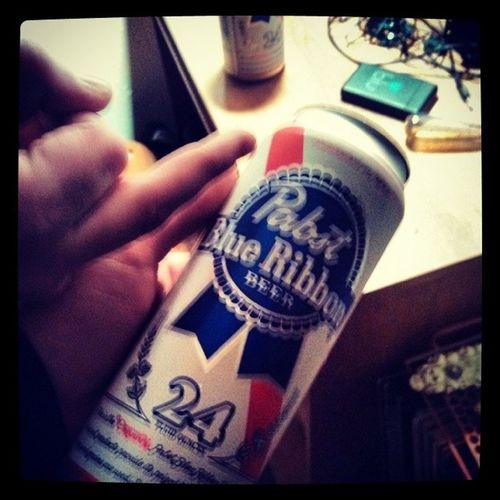 Its a tallboy kinda night Pabstblueribbon Pbr Peebur Tallboy yummyinmytummy