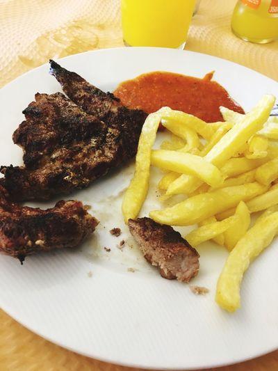 Alitas de pollo Tapas Alitasdepollo Alitas Chiken Pollo EyeEm Selects Ready-to-eat Food And Drink Food Plate Freshness Fast Food Potato