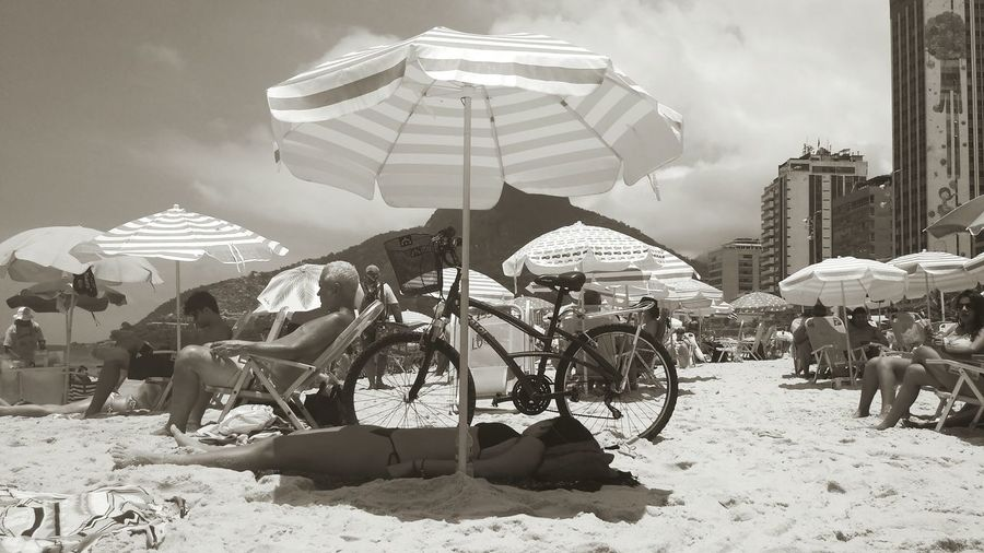 That girl knows how to enjoy the beach People Day Black & White Rio De Janeiro Eyeem Fotos Collection⛵ Adult Sleeping At The Beach Beach People Time Beach People People Photography People And Places One Person Sleeping Person At The Beach Monocromatic The Street Photographer - 2017 EyeEm Awards Neighborhood Map Sommergefühle Breathing Space Love Yourself Summer Exploratorium