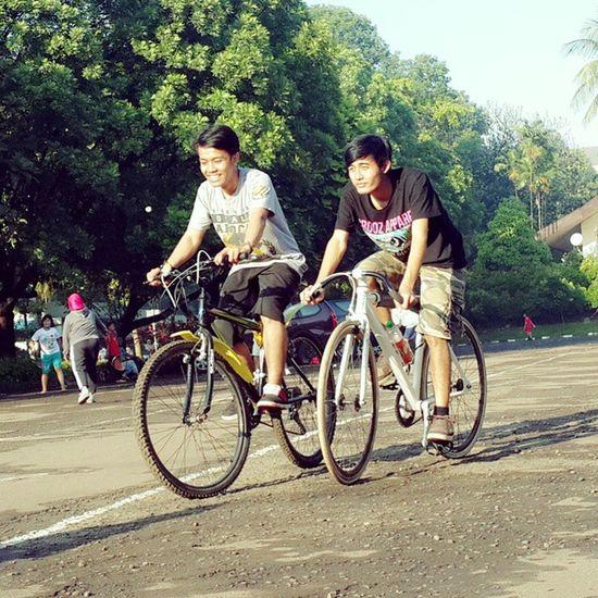 Morning Bersepeda Olahraga Riderace racetofinish streetonstreet Gelanggang Warofworld